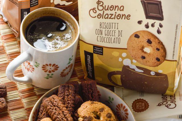 caffè e biscotti altrmercato